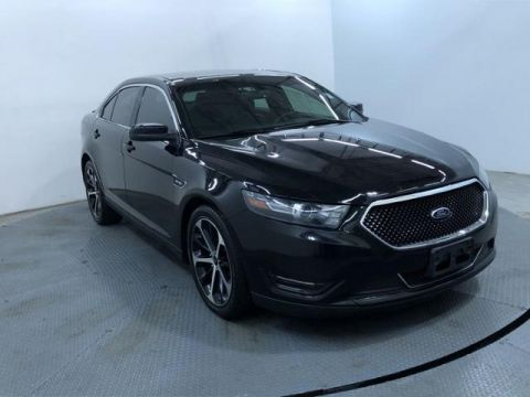 Pre-Owned 2016 Ford Taurus 4dr Sdn SHO AWD