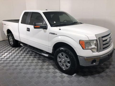 Pre-Owned 2009 Ford F-150 4WD SuperCab 145 XLT
