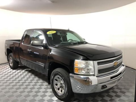 Pre-Owned 2012 Chevrolet Silverado 1500 4WD Ext Cab 143.5 LS