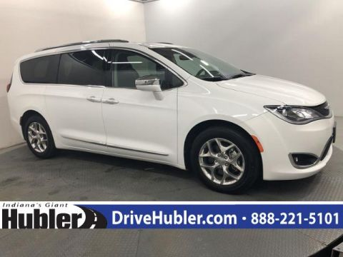 Pre-Owned 2019 Chrysler Pacifica Limited FWD